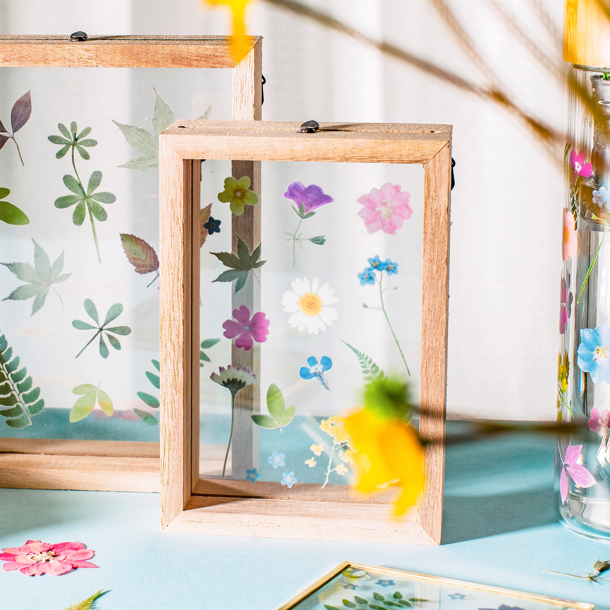 Pretty Pressed Flowers Floating Photo Frame